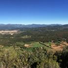 Panoràmica des del Puig Rodó: Canigó, Olot, Fageda d'en Jordà, volcà Cruscat... i més
