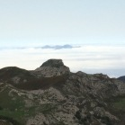12 Entre boira, Picu Pienzu des de Lagos de Covadonga