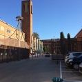 01 Entrada principal a la plaça Campus Mudet